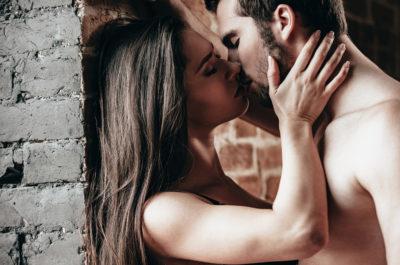 Сколько калорий сжигается при поцелуе: мифы или реальные факты