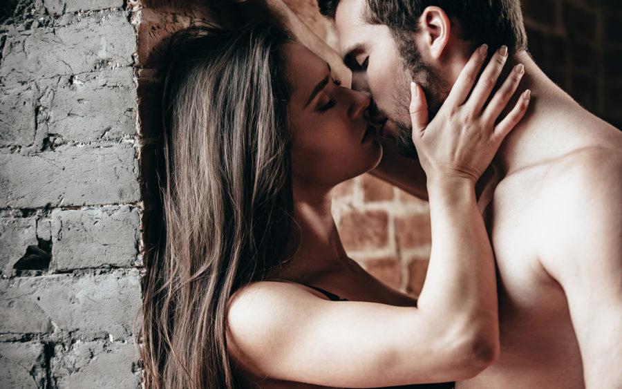 Сколько калорий сжигается при поцелуе