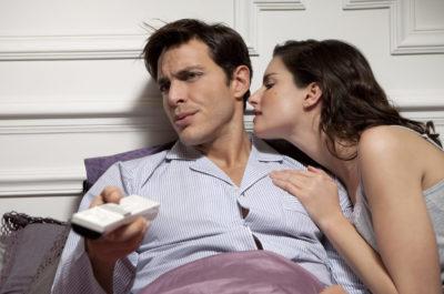 Разбираем причины, почему мужчина теряет интерес к женщине