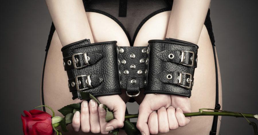 Какие наручники лучше использовать в БДСМ
