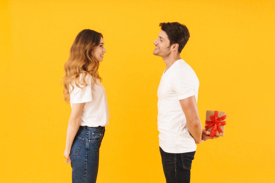 Подарки со скрытым подтекстом