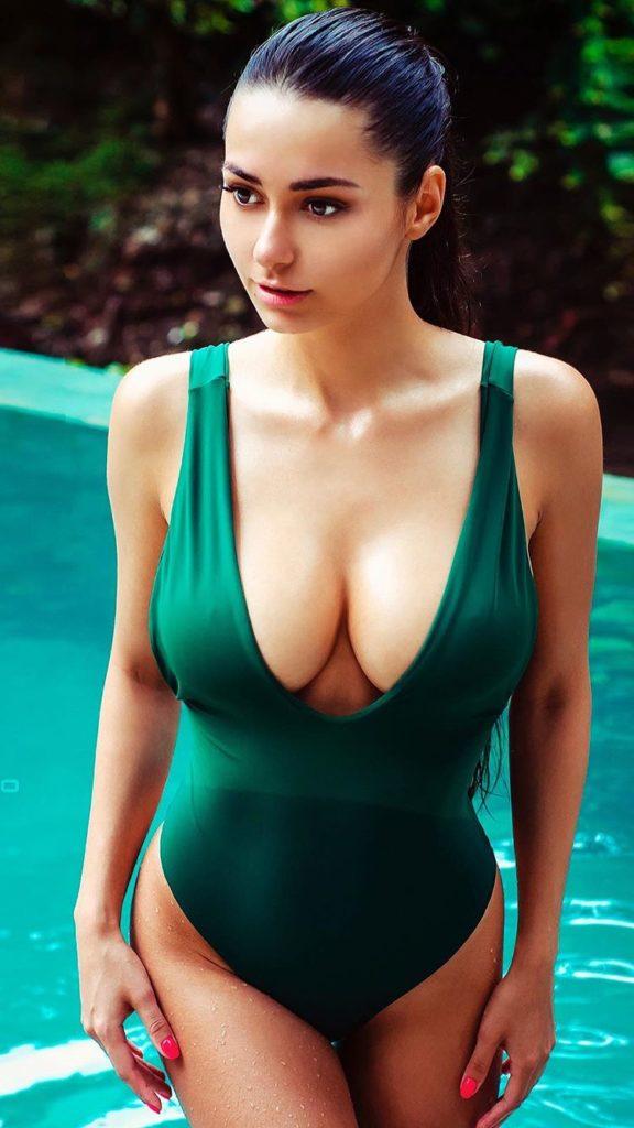 Мифы и факты о большой женской груди с фото красоток