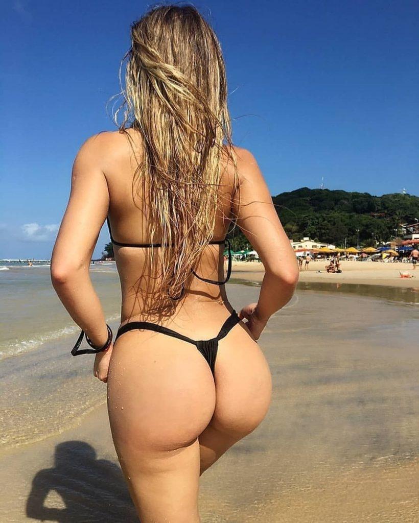 Round ass melisa
