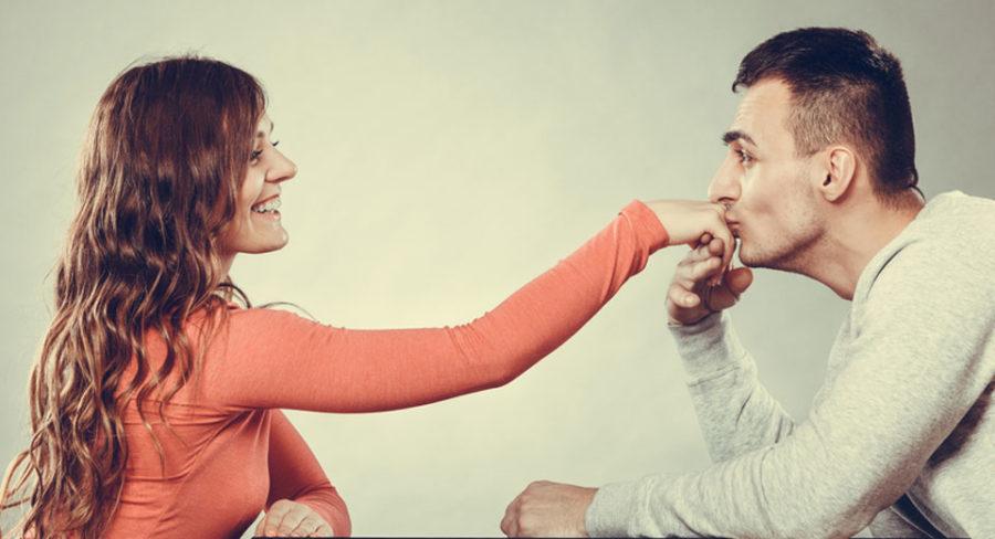 Как правильно заинтересовать девушку