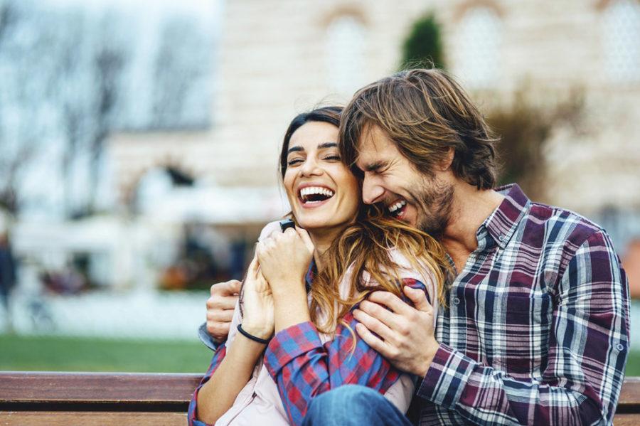 ТОП-50 забавных фраз для знакомства с девушками