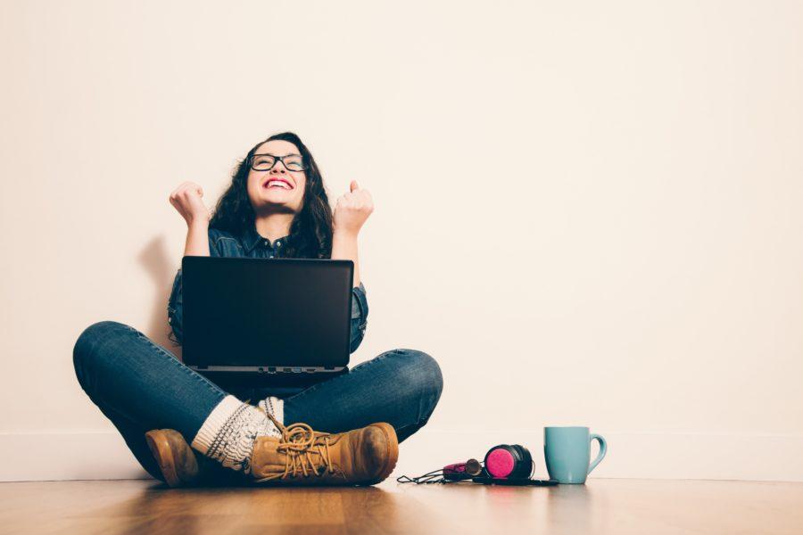 Девушка знакомиться в интернете