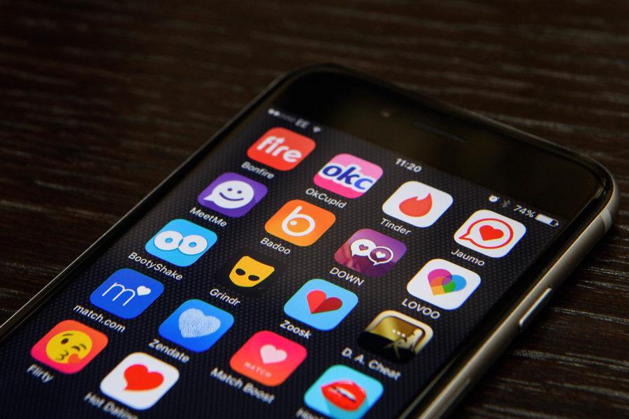 Телефон с приложениями для знакомств