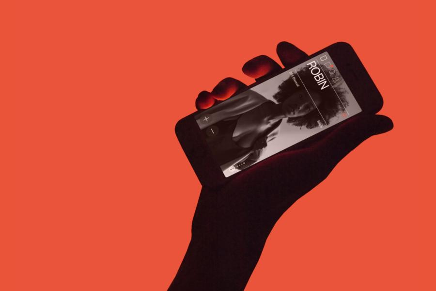 рука и телефон