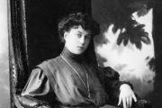 Русская амазонка Александра Коллонтай: кем была эта женщина?