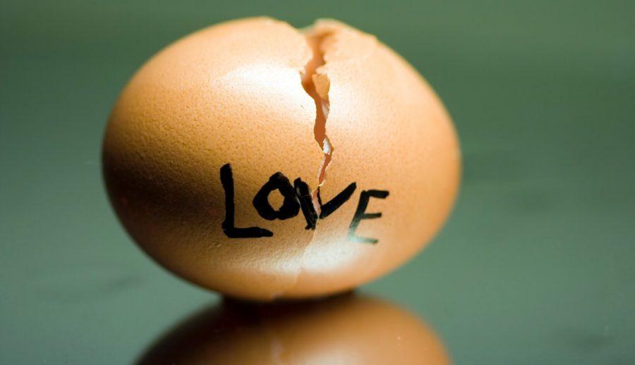 разбитое яйцо и любовь