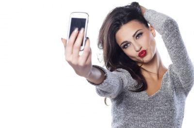 Что делать, если девушка не отвечает на сообщения? И почему она это делает?