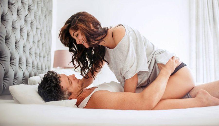 пара в постели 9