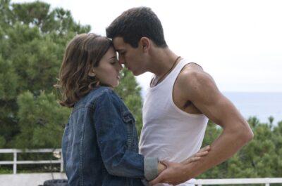 Как понять, что девушка хочет поцелуя?