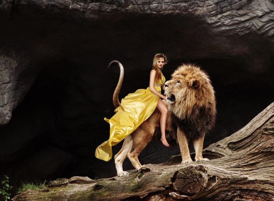 девушка и лев