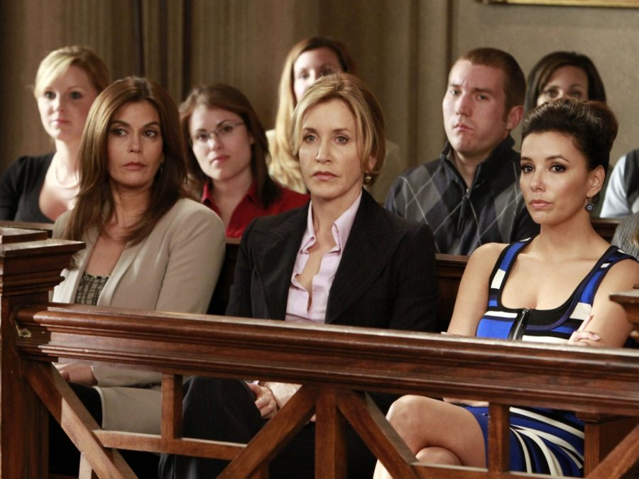 Сериал «Отчаянные домохозяйки». США, 2004-2012 г.