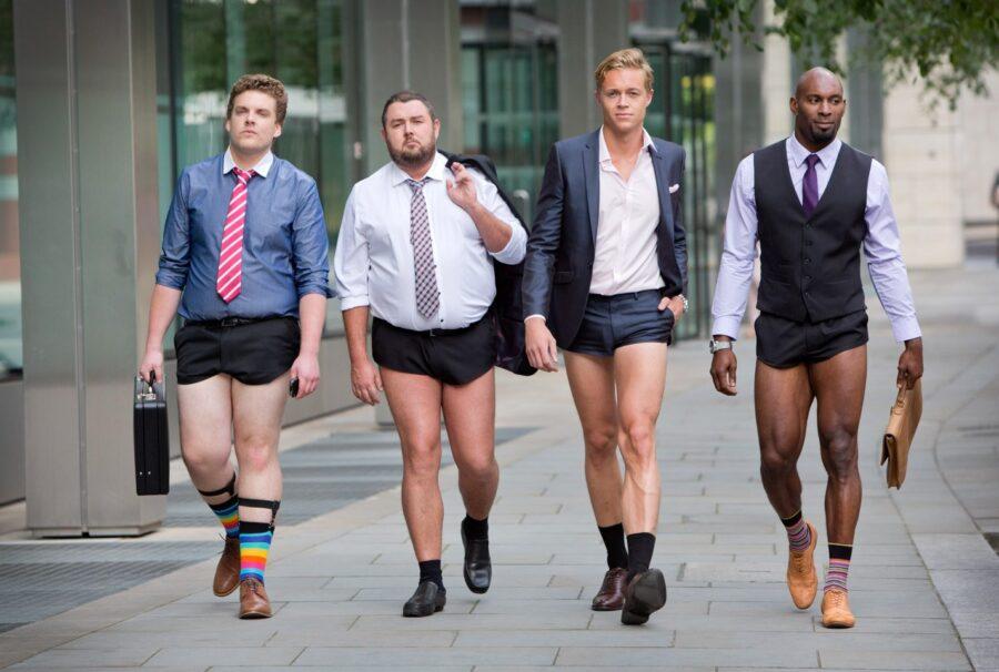 мужчины странно выглядят