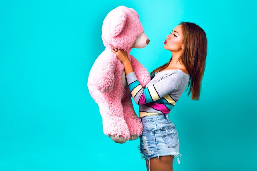 девушка с медведем