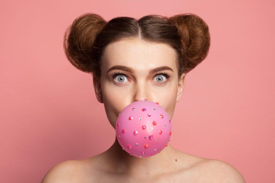девушка с пузырем
