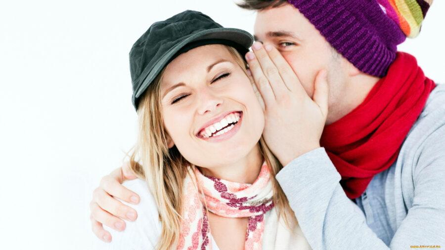 девушка и парень смеются 2
