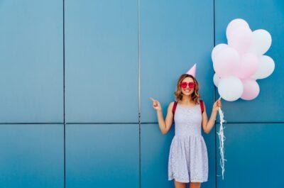 Как поздравить девушку с днем рождения красиво : ТОП — 100 фраз