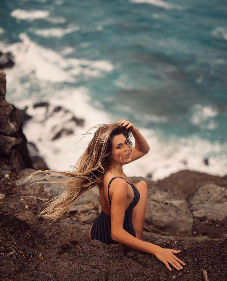 фото девушки на море