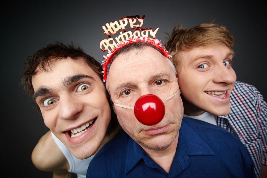 три мужчины с днем рождения