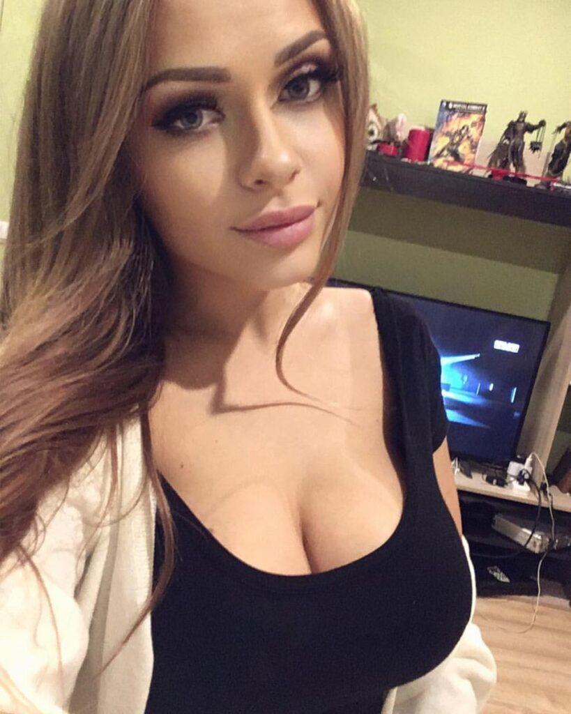 любительское фото девушки