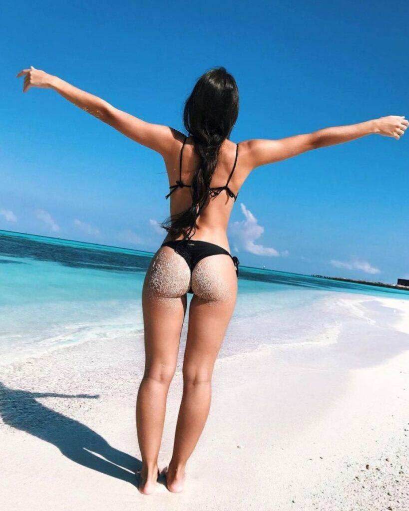 Девушки на море со спины (98 ФОТО)