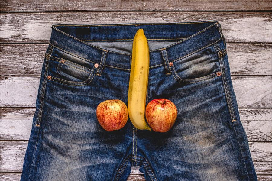 фрукты на джинсах