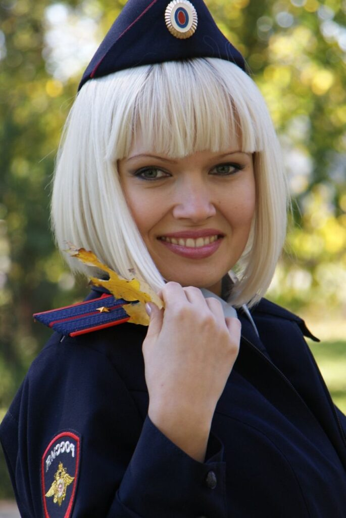 Красивые девушки в форме полиции (102 ФОТО)