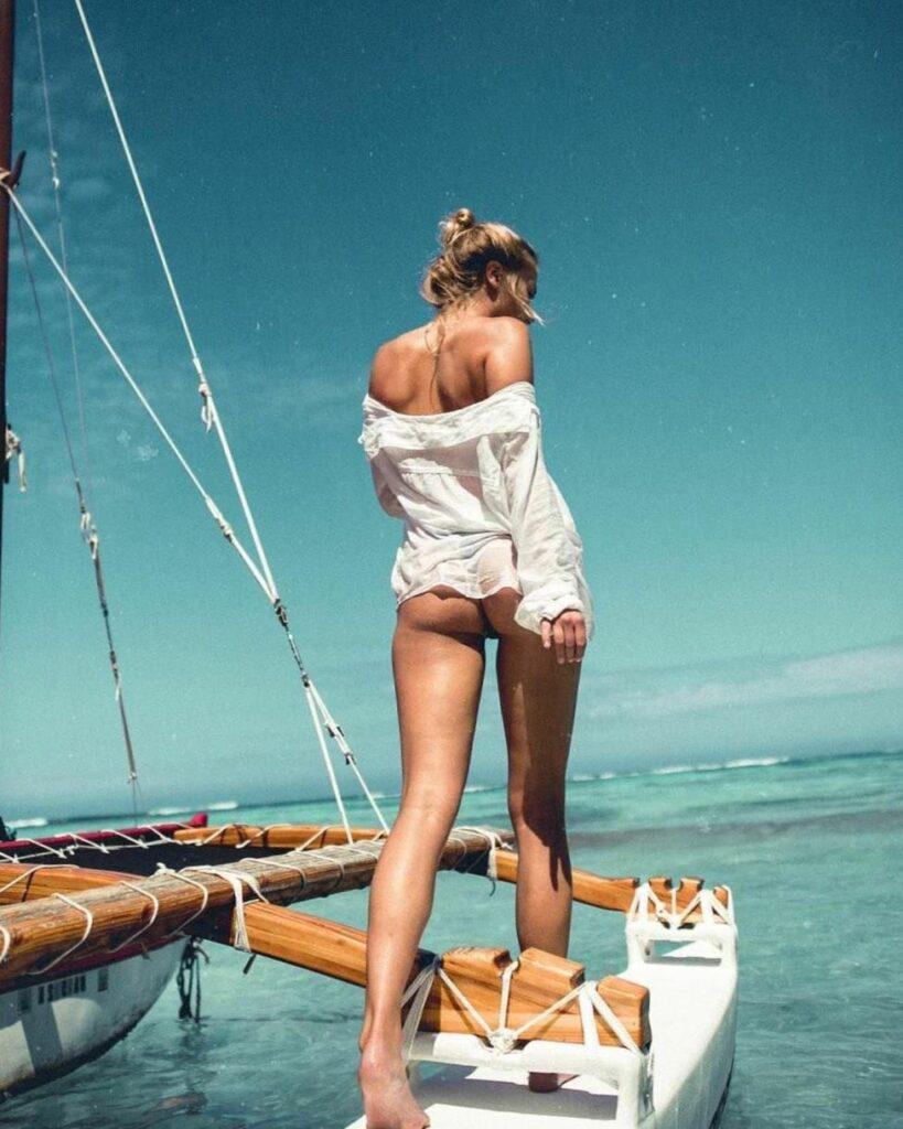 Красивые девушки на яхте (55 ФОТО)