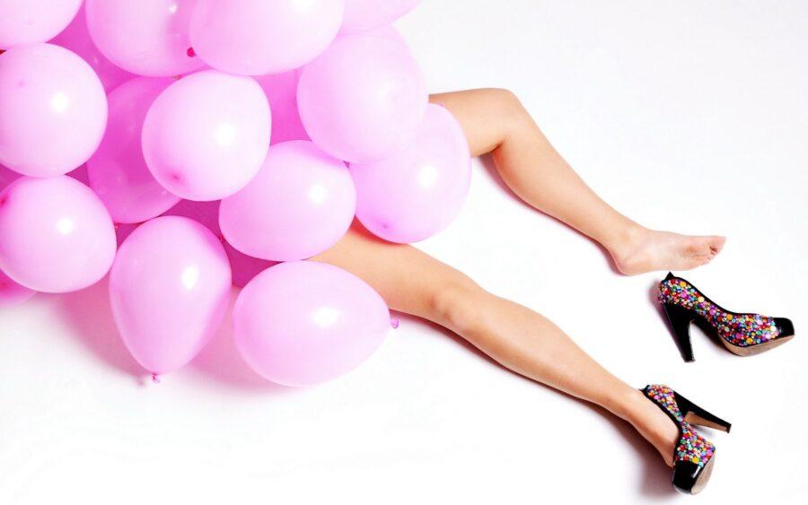 девушка в шариках