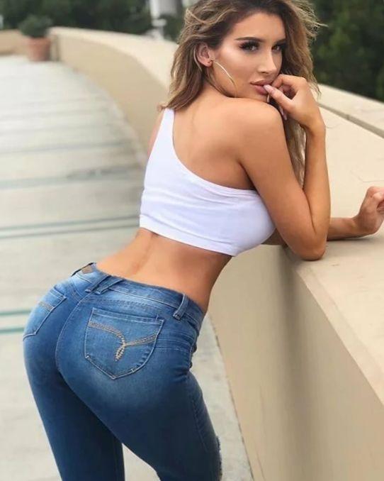 Девушки в обтягивающих джинсах (76 ФОТО)