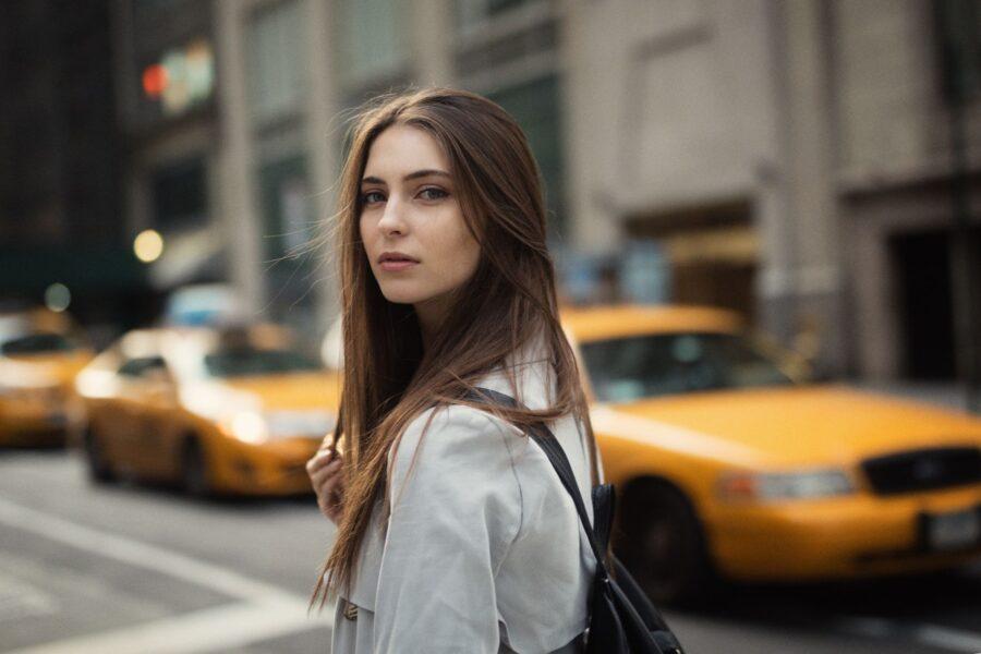 девушка на улице