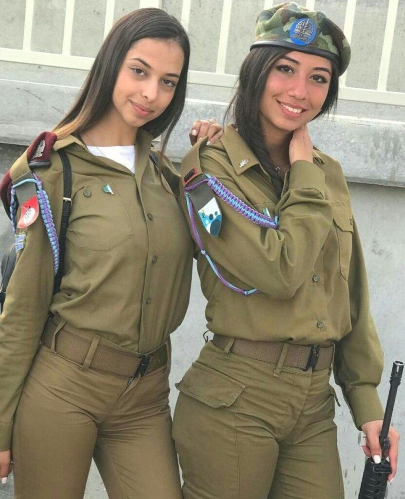 Работа военной для девушки андрей деревянко