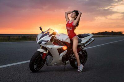 107 ФОТО красивых девушек на мотоцикле