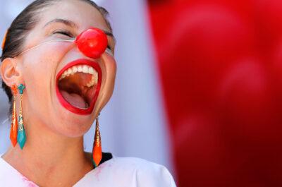 Короткие смешные фразы до слез: 100 примеров выражений