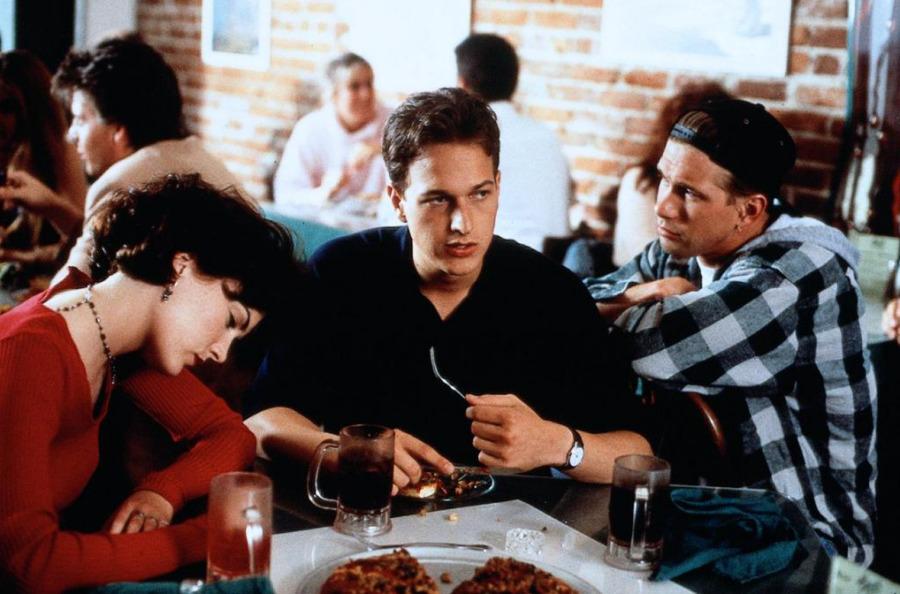 Комедия: «Трое» (1994, США)