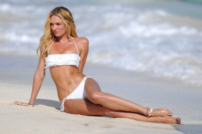Самые красивые ноги знаменитостей: 30 девушек, которые вызывают зависть