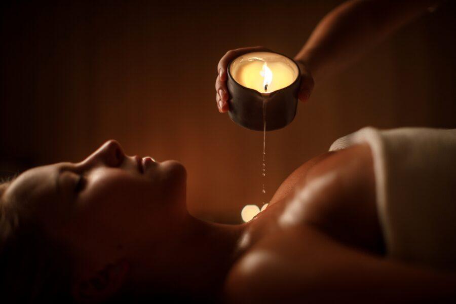 массажные свечи в постели