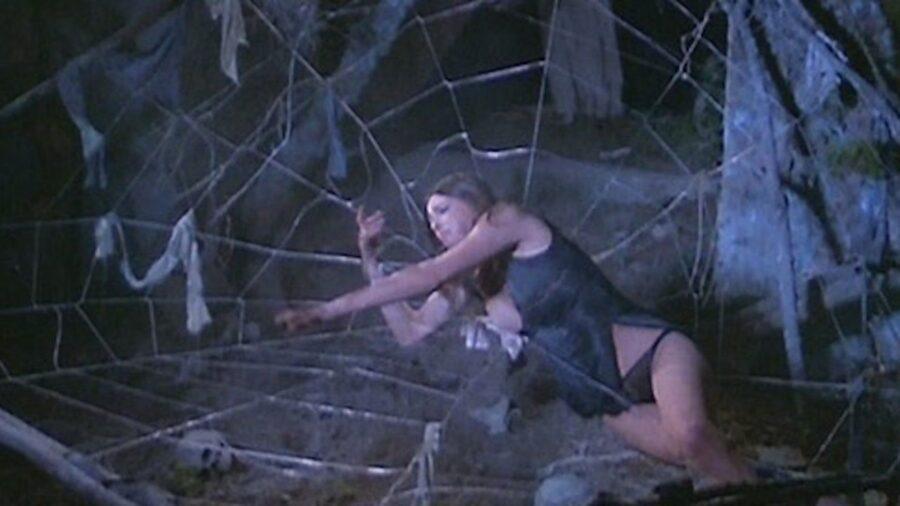 Обнаженная для сатаны / Nuda per Satana (1974)