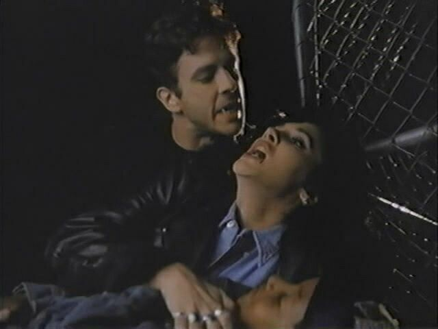 «В постели с вампиром» (США,1992)