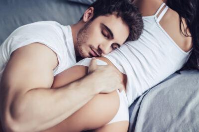 Как мужчины лишаются девственности: парни рассказали о своем первом опыте