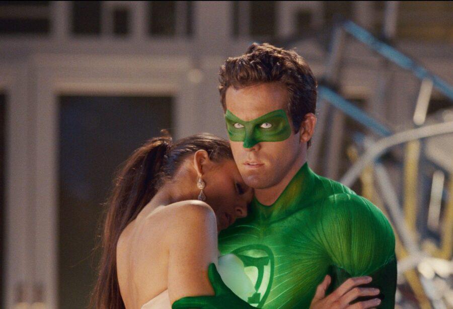 зеленый фонарь с девушкой