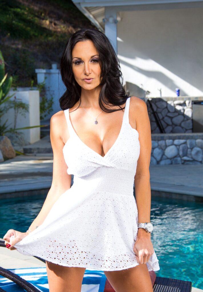 Лучшие порно актрисы 40+: женщины, которые сексуальны не по годам
