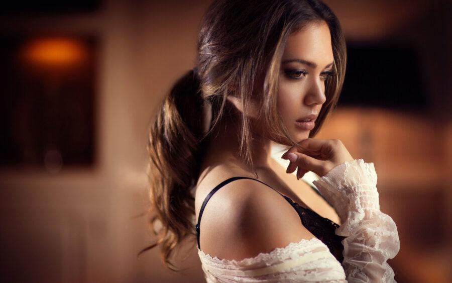 очаровательная милая девушка