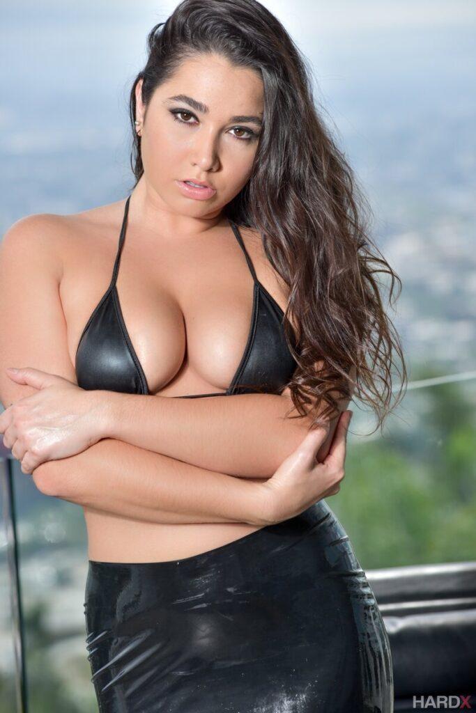 БДСМ порно актрисы - 18 девушек, любящих пожестче
