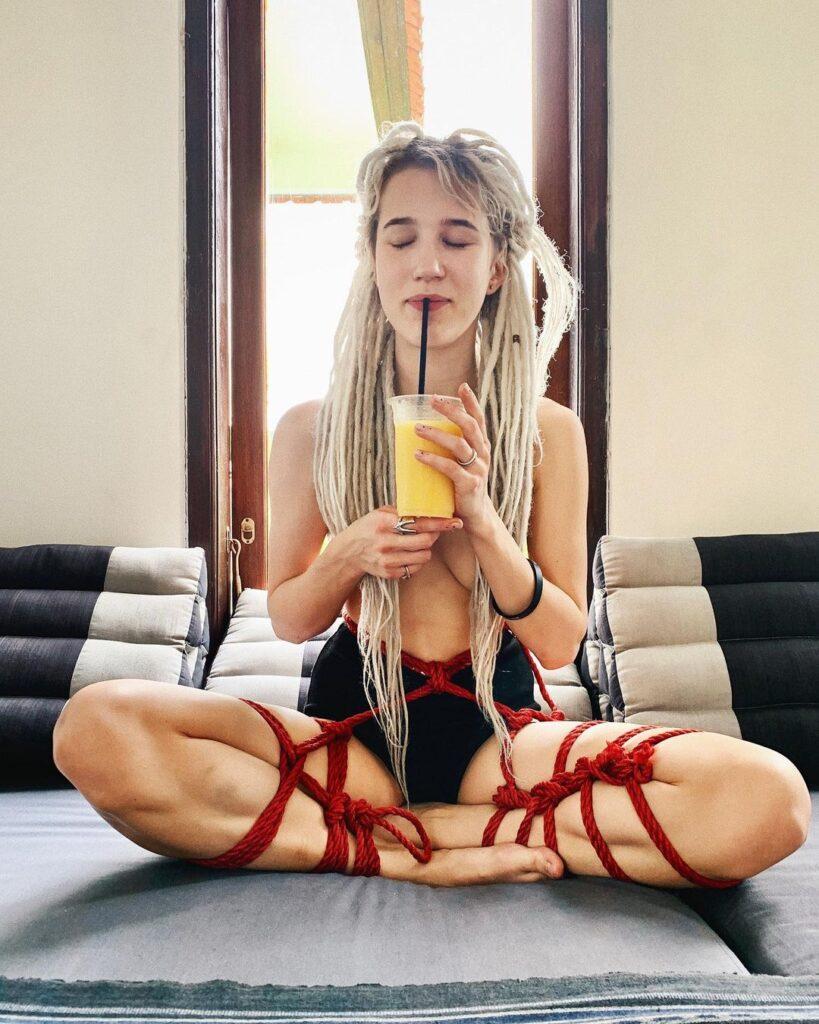 Лучшие секс – блоггеры Youtube и Instagram: на кого подписаться?