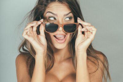 Прикольные СМС девушке: 100 сообщений, которые поднимут ей настроение