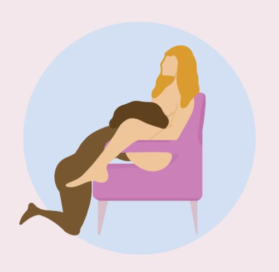 Оральный секс или квининг на обычном стуле